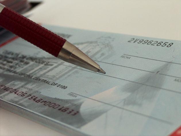 Come compilare assegno bancario